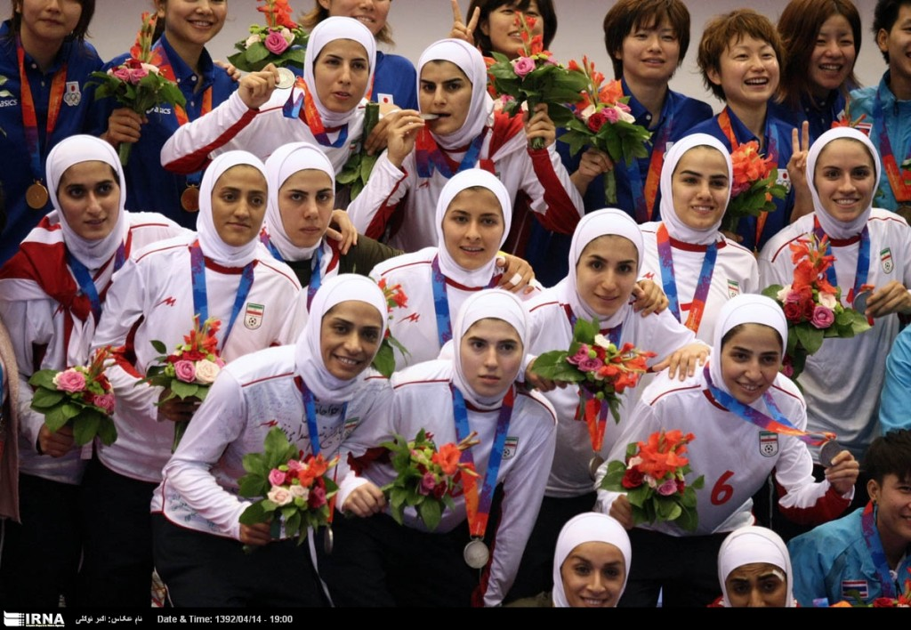 shia muslims veil and sports and sciences-veil and sports-sports and veil-veiled women and sports-iranian women
