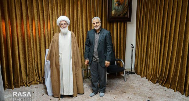 General Qasem Soleimani meets Qom grand Shia scholars/ photo